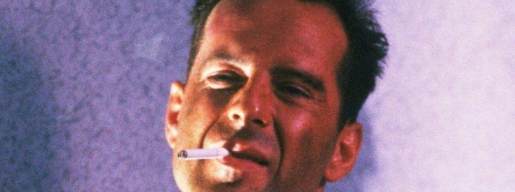 LAPD et NYPD offrent des accessoires à John McClane dans Die Hard Christmas Shout Out