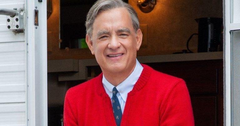 <pre>Le biopic Mister Rogers de Tom Hanks obtient enfin un titre officiel