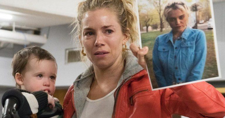 <pre>Une femme américaine reçoit Sienna Miller à la recherche de sa fille disparue