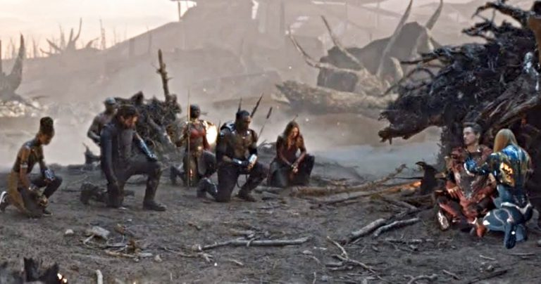 Une scène supprimée en fin de partie émotionnelle met les vengeurs à genoux devant Tony Stark