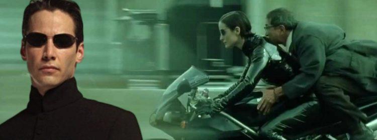La vidéo de Matrix 4 met Keanu Reeves et Carrie-Anne Moss sur une moto