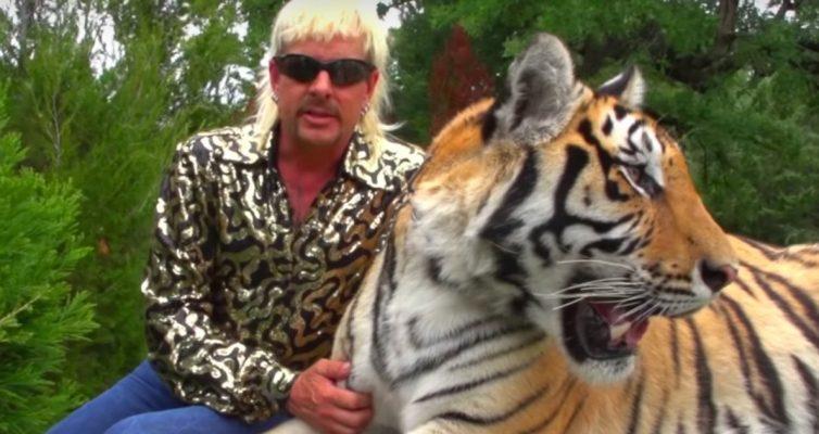La ligne de mode et de marchandises Tiger King de Joe Exotic se vend presque immédiatement