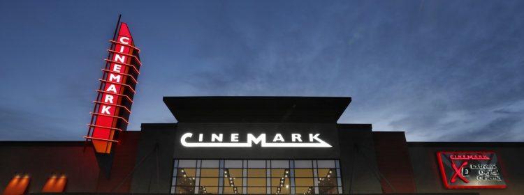 Cinemark n'exigera pas de masques faciaux lors de la réouverture des cinémas