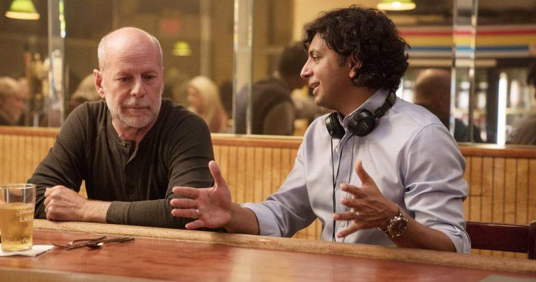 Le prochain film de M. Night Shyamalan débarque à l'été 2021 chez Universal