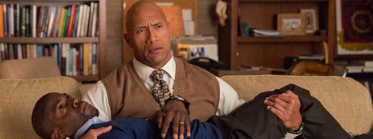 Kevin Hart Trolls The Rock avec des films d'action `` stupides '' Zing