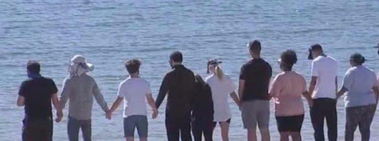 Naya Rivera se souvient que Glee Cast visite le lac Piru pour rendre hommage