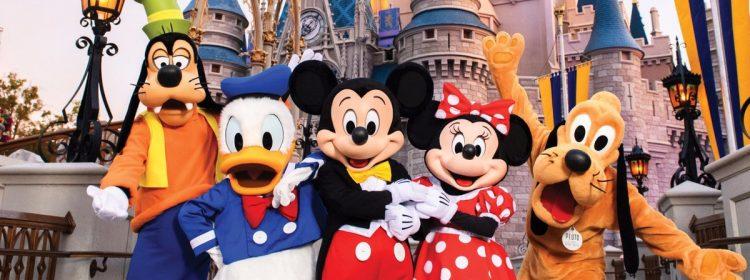 Disney World réduira ses heures avec une fréquentation plus faible que prévu après la réouverture