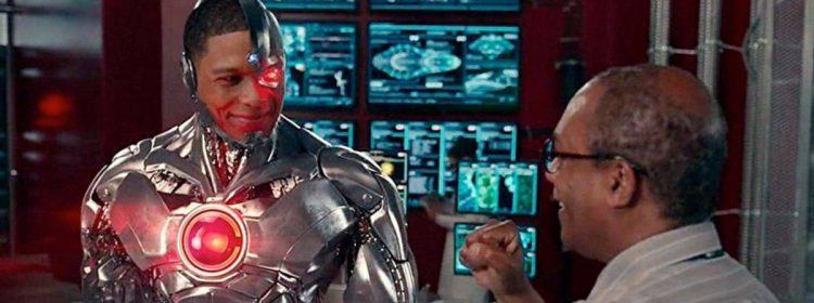 La star de la Ligue de justice affirme que le patron de DC, Geoff Johns, a menacé sa carrière