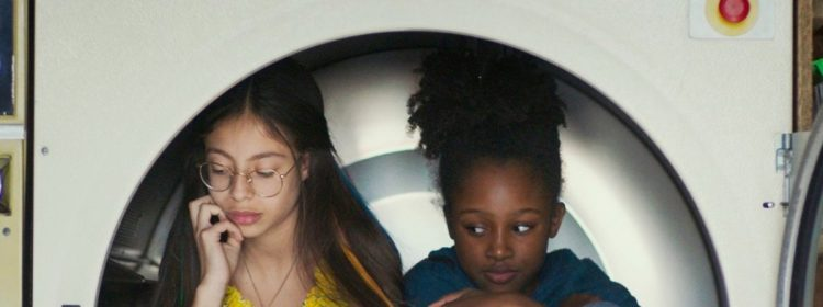 Le groupe de cinéma UniFrance défend les mignonnes de Netflix, qualifiant la réaction américaine de `` violente ''