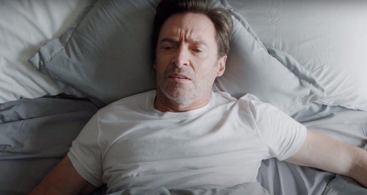 Ryan Reynolds transforme la nouvelle publicité de café de Hugh Jackman en un grand troll