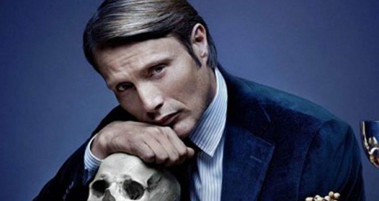 Mads Mikkelsen rejette la rumeur de Fantastic Beasts 3 selon laquelle il remplace Johnny Depp