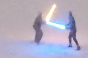 La bataille au sabre laser enneigé a deux fans du Colorado Star Wars qui deviennent viraux