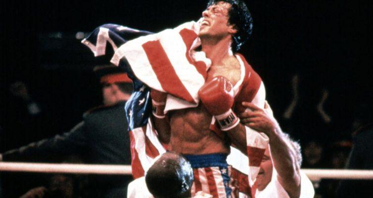 Sylvester Stallone termine la coupe du réalisateur de Rocky IV