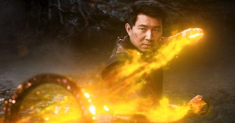 La bande-annonce n°2 de Shang-Chi et la légende des dix anneaux a Wong, Abomination et un dragon géant