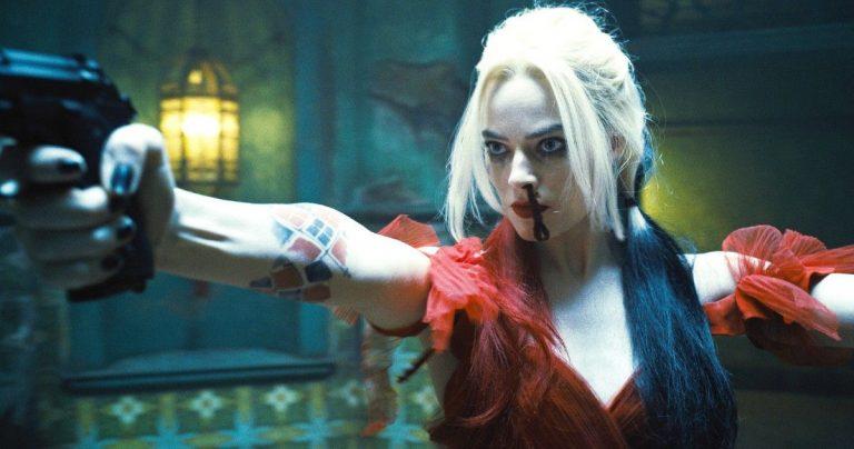 Les fans de Harley Quinn jaillissent de Margot Robbie dans The Suicide Squad