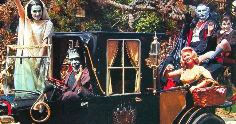 Rob Zombie et Butch Patrick célèbrent avec un tour en Koach