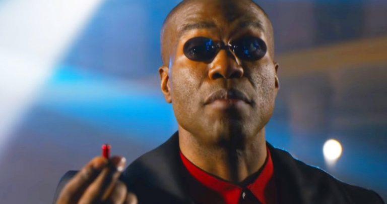 Yahya Abdul-Mateen II ressemble beaucoup à Morpheus dans la bande-annonce de Matrix 4